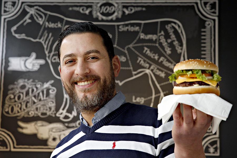 Yamani Hitli zag zijn hamburgers dit weekeinde over de toonbank vliegen.