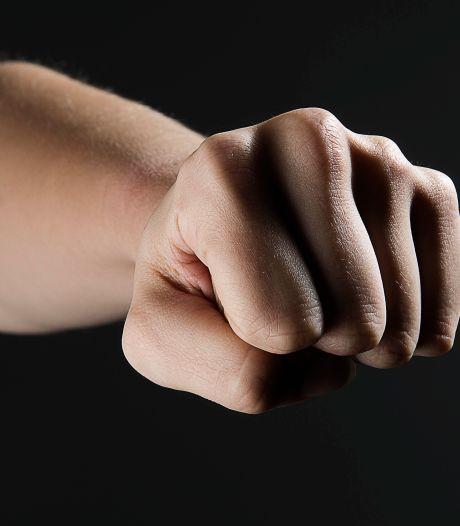 Minderjarige aangehouden voor mishandeling van vrouw in Empel