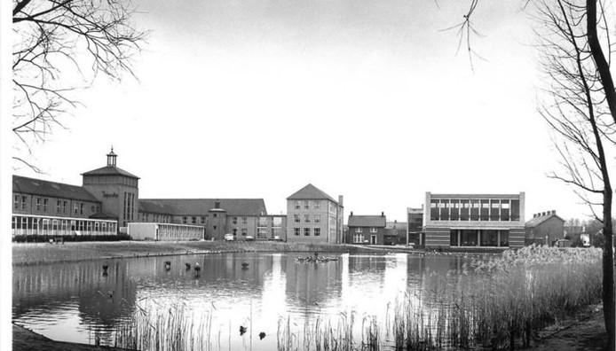 Het oude gebouw van het Zwijsen College aan de Burgemeester de Kuijperlaan in Veghel.