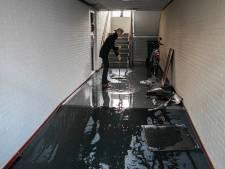 Water blijft uit kapotte cv installatie spuiten en veroorzaakt grote schade