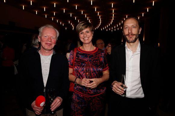 Sabine Hagedoren met haar partner Sam Pauwels (rechts) en radiomaker Marc Pinte.