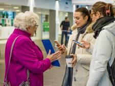 Eenzame Margreeth (68) ronselt stemmen voor vriendschapscursus van Utrechtse socioloog
