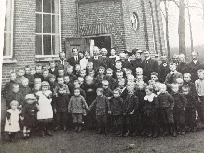 De derde school van Riethoven uit 1872 die tot 1921 in gebruik was