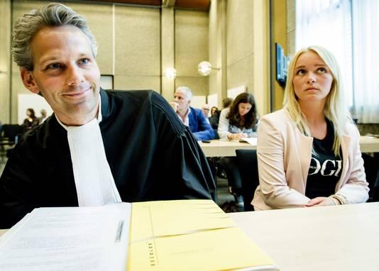 De 21-jarige Chantal uit het Brabantse Werkendam had Facebook voor de rechter gedaagd in een poging te achterhalen wie een seksfilmpje van haar eind januari op de website had geplaatst