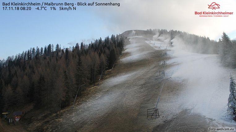Bij gebrek aan sneeuw maakten de sneeuwkanonnen afgelopen weken overuren op koude dagen. De basislaag moet er namelijk liggen vooraleer het skiseizoen begint.