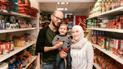 """Syrische vluchteling vernoemt winkel naar dochtertje: """"Bij mij vind je het lekkerste eten uit Syrië, Libanon en Marokko"""""""
