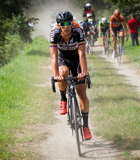 Primeur in België: renner uitgesloten voor rijden op fietspad