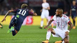 Duikt hij woensdag in het Astridpark ook met stijl? Neymar op grappige wijze te kijk gezet in reclame voor luxehorlogemerk