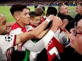 Neres krijgt tik en kus na doelpunt Ajax
