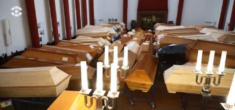 Duits crematorium moet coronadoden stapelen: 'Uitvaartzaal fungeert nu als koelcel'