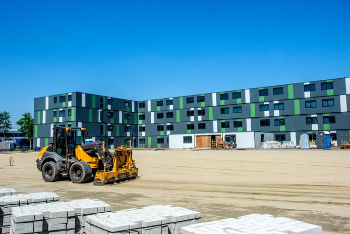 Op het RWB-terrein in Waalwijk staat een campus voor 400 arbeidsmigranten.