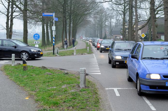 De Stoutenburgerlaan krijgt als het aan Nijkerk ligt geen snelheidsremmers.