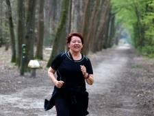 Titia Oppeneer zoekt dagelijks de grens op: 'Laatst vroeg een Vlaams mannetje of hij mocht oversteken'
