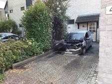Politie denkt dat nieuwste autobrand in Apeldoorn is aangestoken