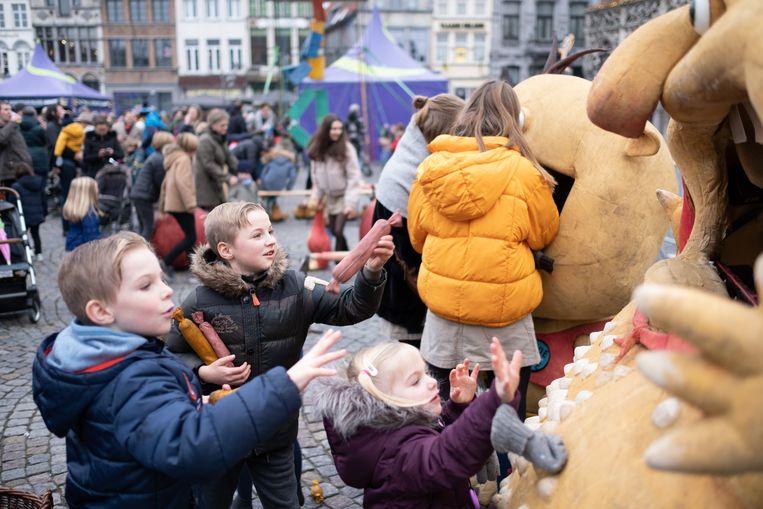 MECHELEN - Voor de kinderen was er tijdens het nieuwjaarsfeest op de Grote Markt animatie voorzien.