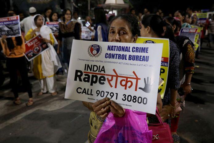 Indiase vrouwen demonstreren tegen het voortdurende geweld tegen vrouwen.