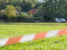 Geldhond van politie ingezet op zoek naar bankbiljetten in boerderij Ruinerwold