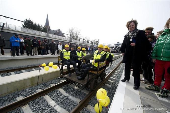 De opening van het station Nijverdal (Foto Lenneke Lingmont)