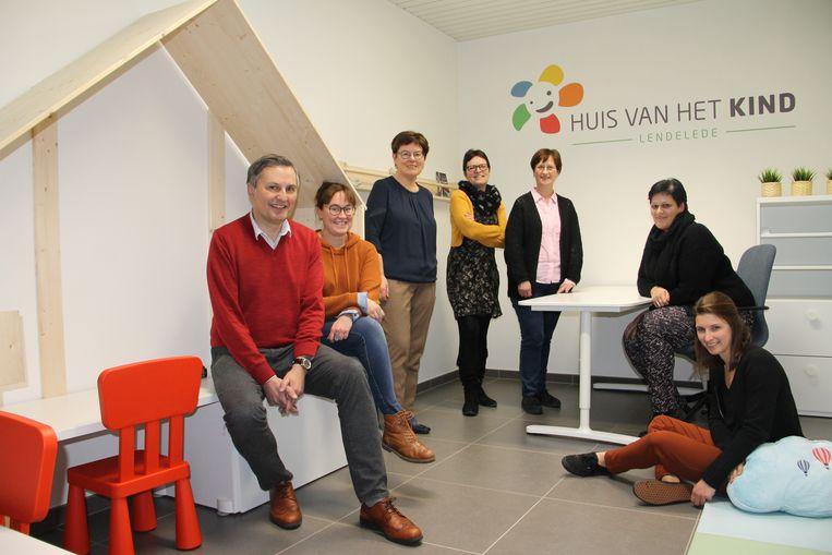 De stuurgroep van het Huis van het Kind in Lendelede bestaat uit twee schepenen, mensen van het Sociaal Huis, Kind & Gezin en de Gezinsbond.