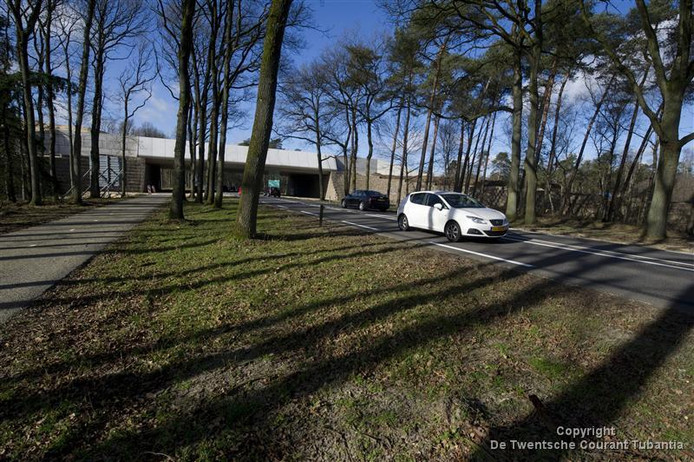 Het Hellendoornse college wil twee fietsbruggen over de N35 om de verkeersveiligheid en de doorstroming op de N35 tussen Nijverdal en Haarle te verbeteren.