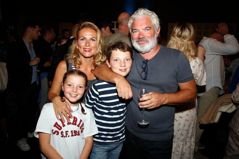 Stany Crets nam zijn vriendin Ann Van den Broeck en kinderen, Penny en Jack, mee.