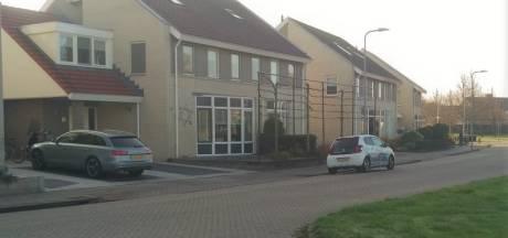 Auto van Urker vishandelaar beschoten bij huis: 'Dit gaat alle perken te buiten'