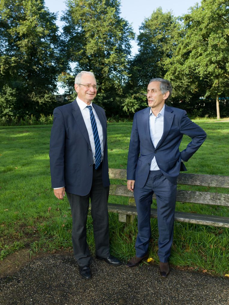 Rabbijn Menno ten Brink en imam Marzouk Aulad Abdellah, in een park bij Amstelveen. Beeld Ivo van der Bent