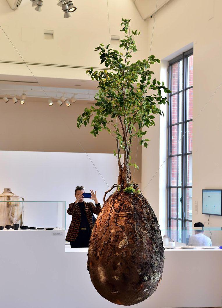 Expositie Broken Nature in Palazzo dell'Arte in Milaan Beeld Imageselect