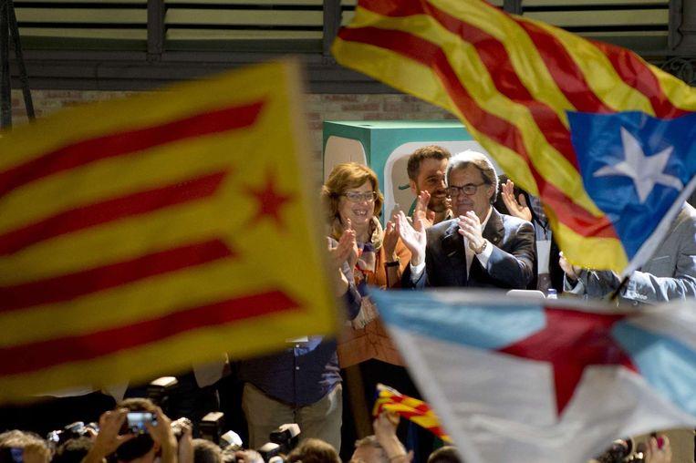 Artur Mas spreekt de menigte toe. Beeld anp