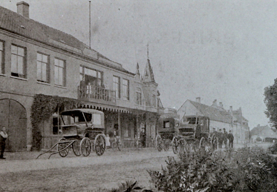 De Kapelstraat in Heeze anno 1900