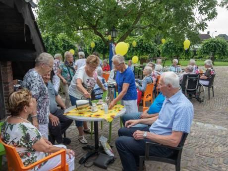 De Zonnebloem in Zeelst viert 55-jarig bestaan
