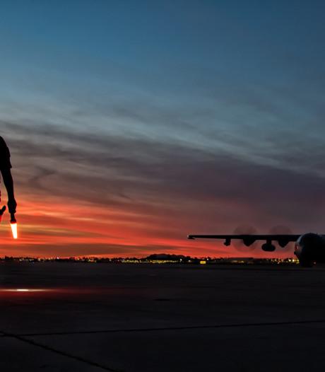 Eindhovens squadron oefent op grote hoogte boven immense zandbak in Arizona