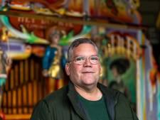 Ouderen dansen en zingen op de balkons als orgelman Joop (53) bij het verzorgingshuis staat: 'Kippenvelmomenten'