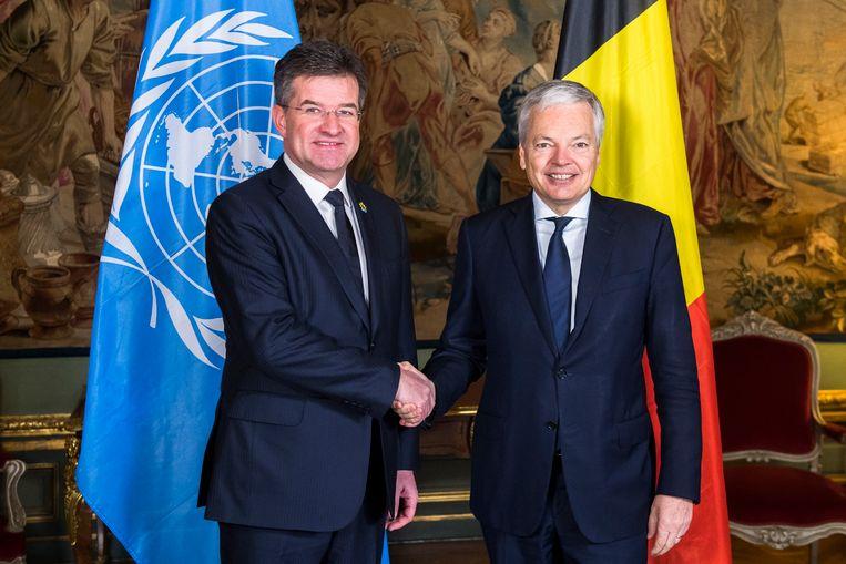 """""""We hebben nooit iets gehad om ons te helpen migratie goed op te pakken"""", zegt Miroslav Lajcak, de voorzitter van de Algemene Vergadering van de VN, hier samen met onze minister van Buitenlandse Zaken, Didier Reynders (rechts)."""