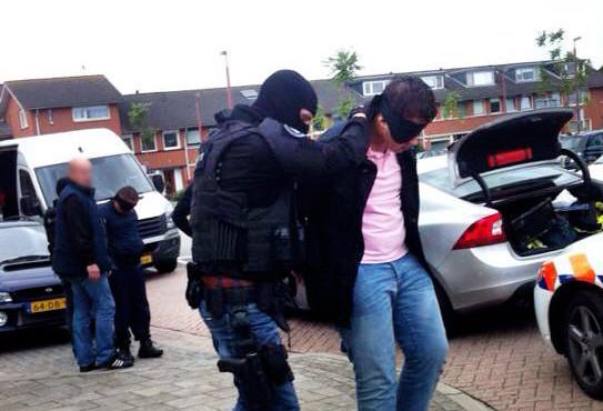 Archieffoto ter illustratie. Arrestaties van maffiosi in september 2013 in Nieuwegein. Eerder op de dag was een grote maffiabaas uit Italië, Francesco Nirta, al in zijn flat opgepakt.