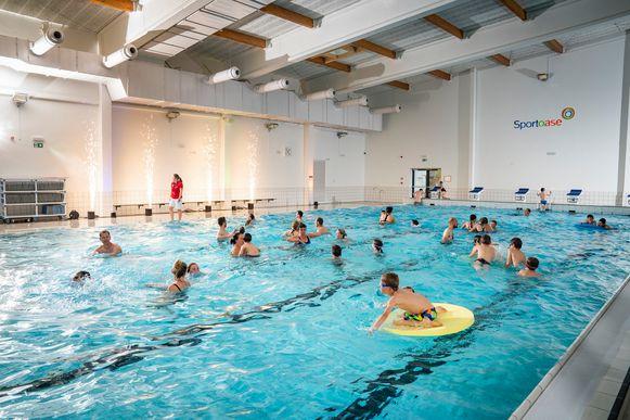 Iedereen kan donderdag tot middernacht waterpret beleven in zwembadcomplex Sportoase De Lijster.
