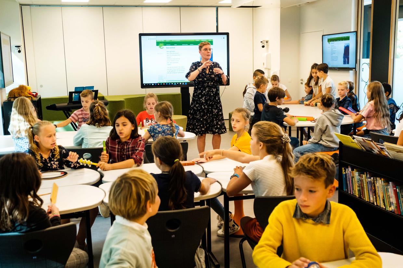 Een leerkracht moet leerlingen verplichten na te denken, vindt Tim Surma. 'Maak het ze een beetje moeilijk. Dat hoeft echt niet sadistisch te zijn.'
