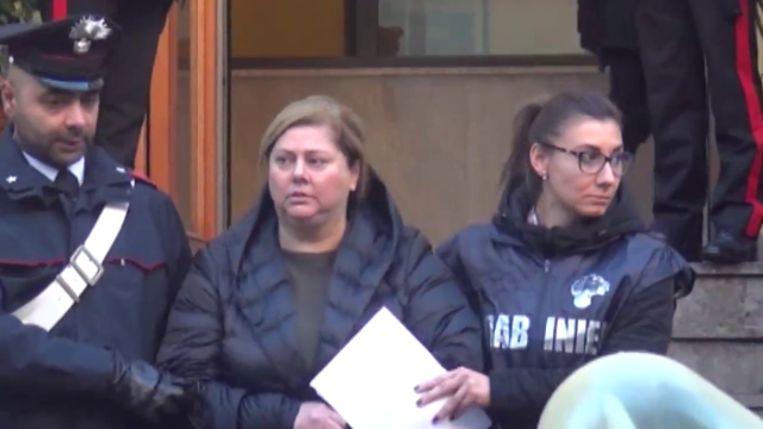 'Peetmoeder' Maria Angela di Trapani erfde de leiding over een misdaadfamilie in Palermo van haar man die levenslang in de cel zit.