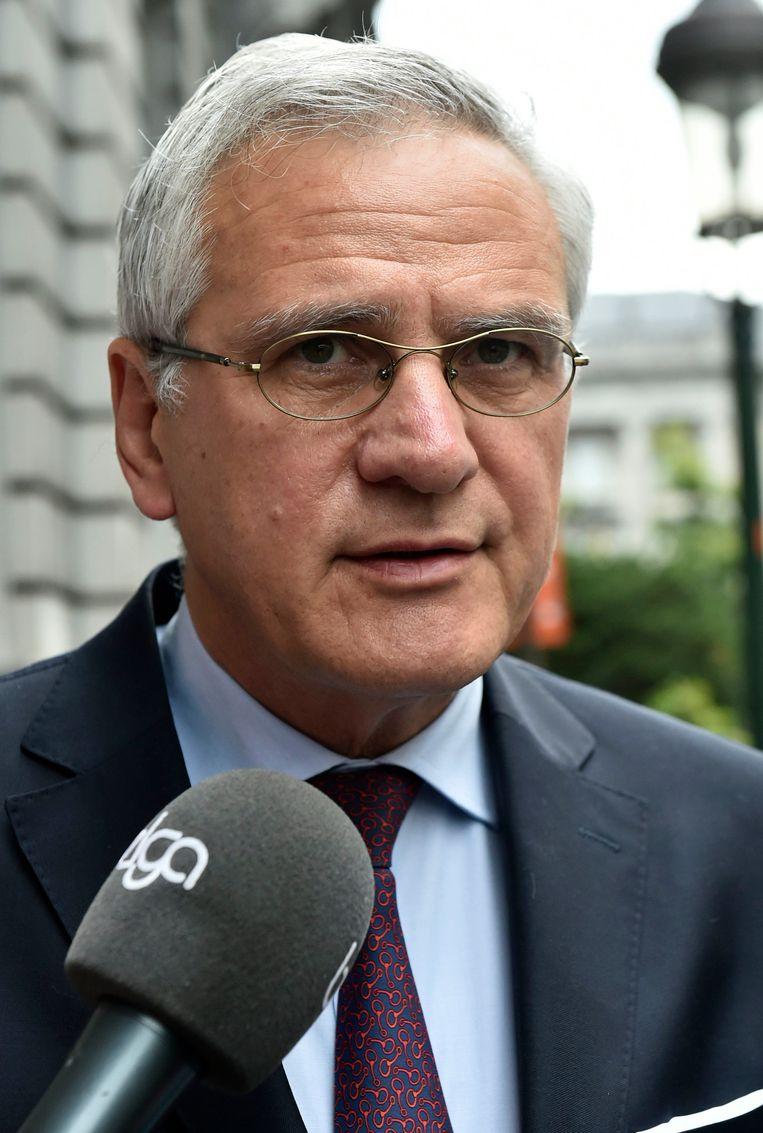 Bevoegd minister Kris Peeters werd om een herziening van de wet gevraagd.