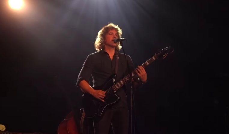 Jasper Steverlinck speelt het nummer 'One Thing I Can't Erase' op Festival Dranouter.
