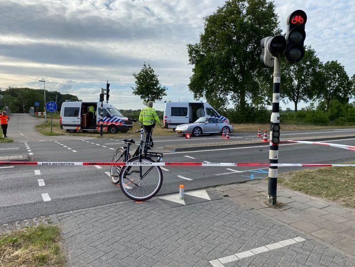 Het ongeval gebeurde op de oversteekplaats op de kruising Oerdijk/N348.