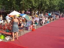 Opera op de Parade later begonnen wegens hitte; plein geopend nadat bezoekers verbod negeerden