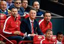 Albert Stuivenberg (r) was tussen 2014 en 2016 assistent-trainer van Louis van Gaal (m) bij Manchester United. Momenteel heeft de kandidaat-trainer van PEC Zwolle samen met bondscoach Ryan Giggs (l) de nationale ploeg van Wales onder zijn hoede.