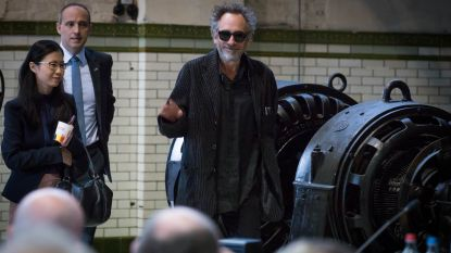 Tim Burton bezoekt tentoonstelling 'The World of Tim Burton' in C-Mine