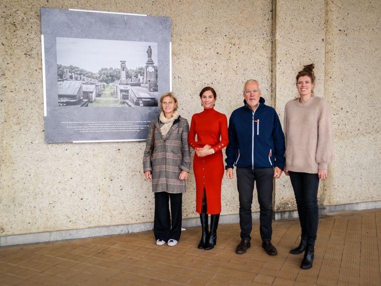 Katy Gyselen, schepen Hina Bhatti, schepen Bart Plasschaert en Gaike Gavart