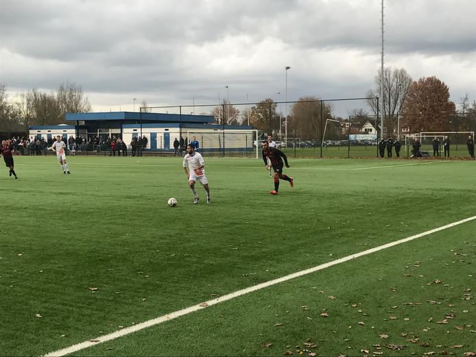 Na een hectische slotfase stond na afloop van FC Breukelen - Zwaluwen '30 een stand van 2-2 op het bord.