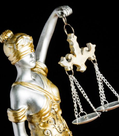 Drie jaar cel en tbs voor Bulgaar die zus wurgde in Zuidoost
