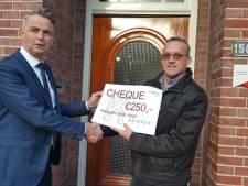 Sinten en pieten halen in Nijverdal duizenden euro's op voor goede doel