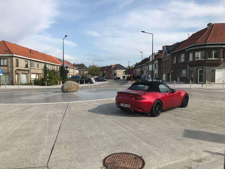 De rotonde aan de Raffelgemstraat.