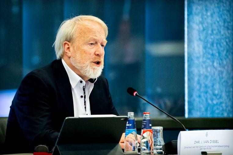RIVM-baas Jaap Van Dissel presenteerde woensdag in de Tweede Kamer nieuwe cijfers omtrent de coronacrisis. Beeld Getty Images